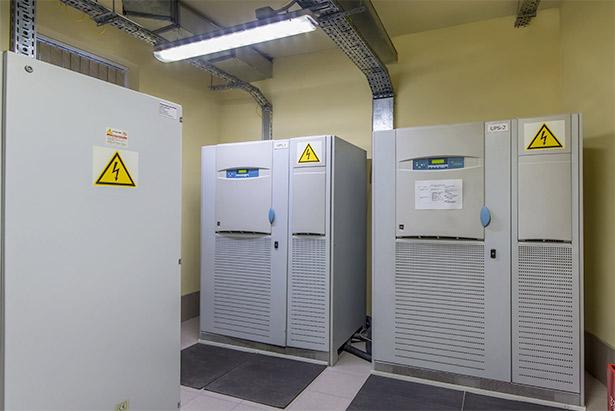 Crown-battery-UPS-power-managment.jpg